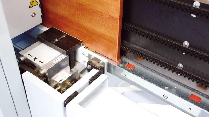 Pieza sujeción madril mecanizado centro CNC DRILLTEQ V-200